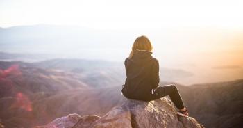 Πανσέληνος στον Άξονα Καρκίνου-Αιγόκερω: Η Ανάδυση του Ήρωα